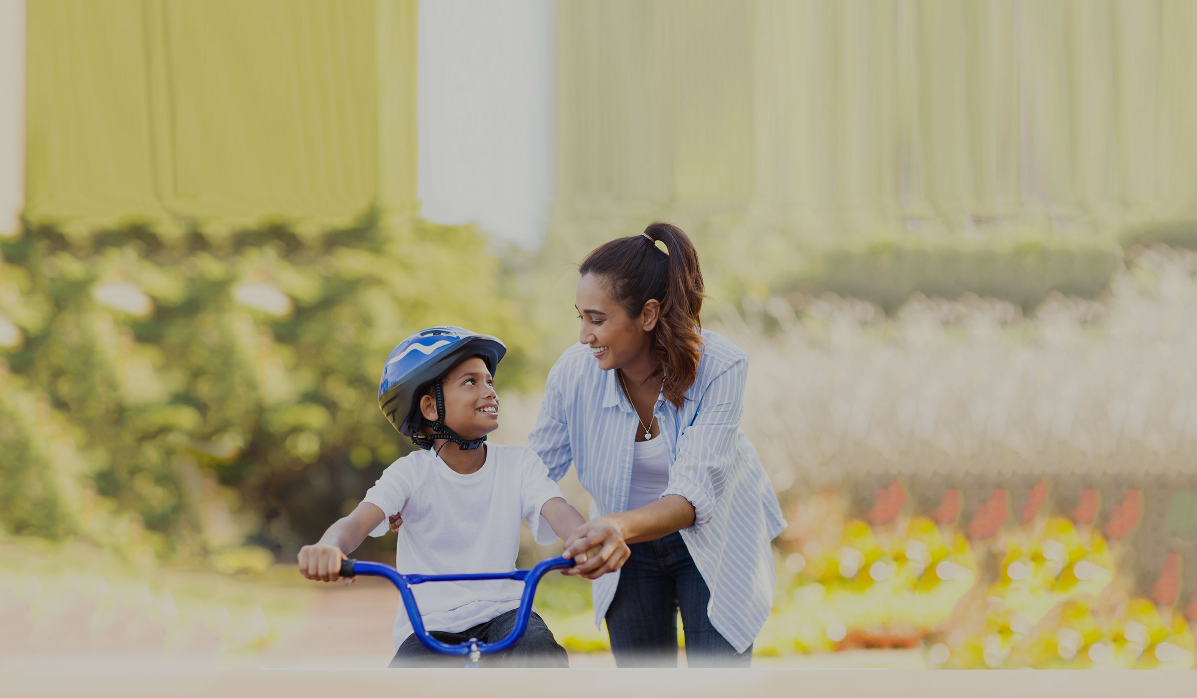 active-mom-with-child-on-bike4